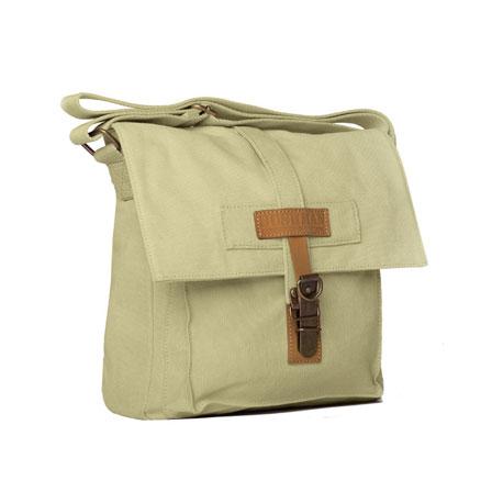 441bb11ea6a Trendy léta pro kabelky  Zelená barva a veselé kombinace